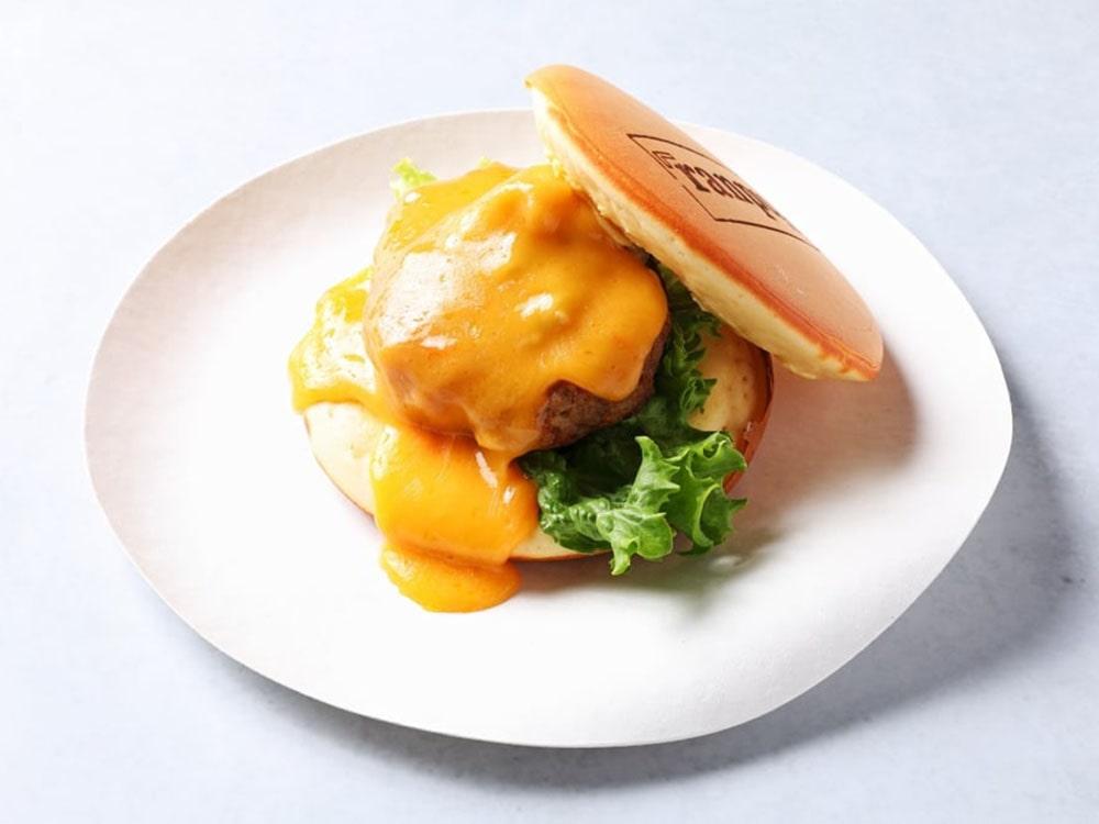 仙台牛のTUYAPANチーズバーガー
